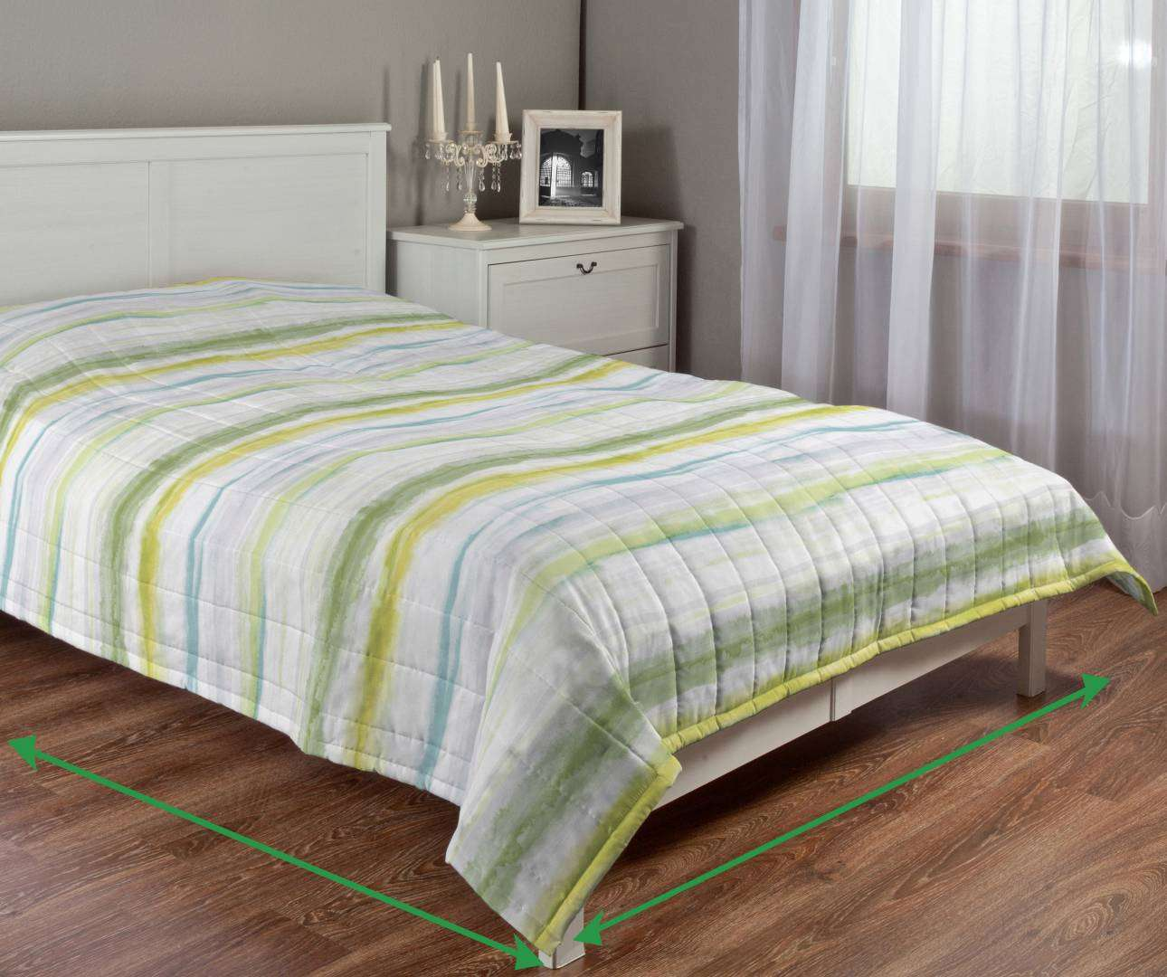 Quilted throw (vertical quilt pattern) in collection Aquarelle, fabric: 140-68