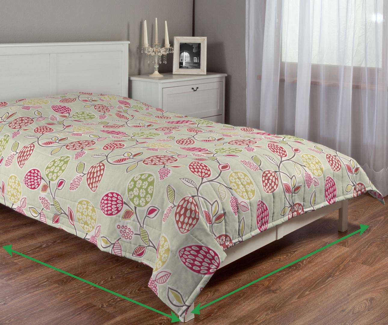 Quilted throw (vertical quilt pattern) in collection Norge, fabric: 140-78