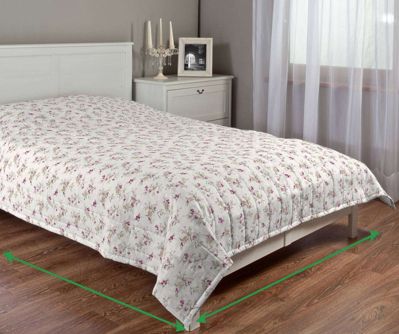 Quilted throw (vertical quilt pattern) in collection Mirella, fabric: 141-13