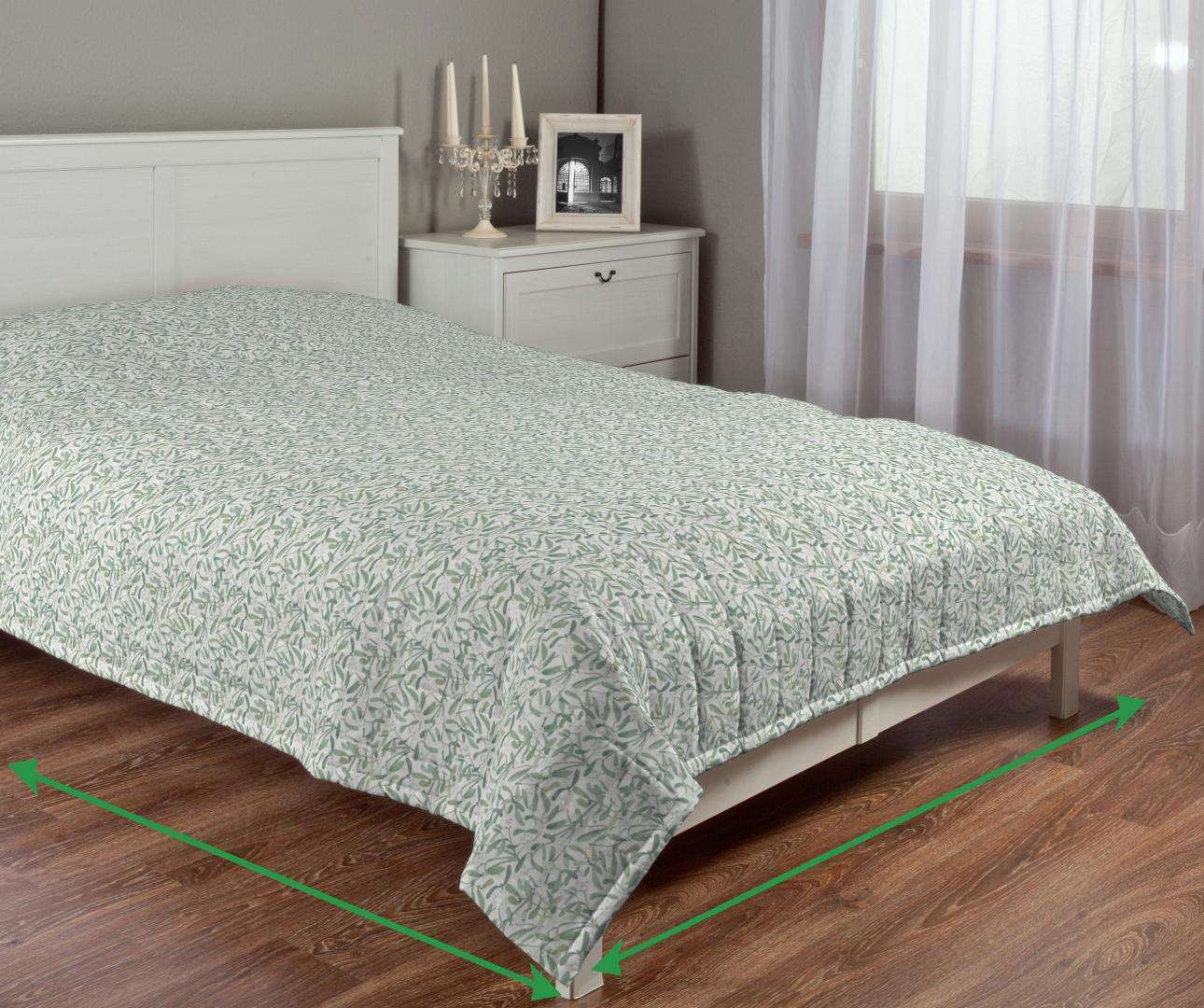 Quilted throw (vertical quilt pattern) in collection Norge, fabric: 150-19