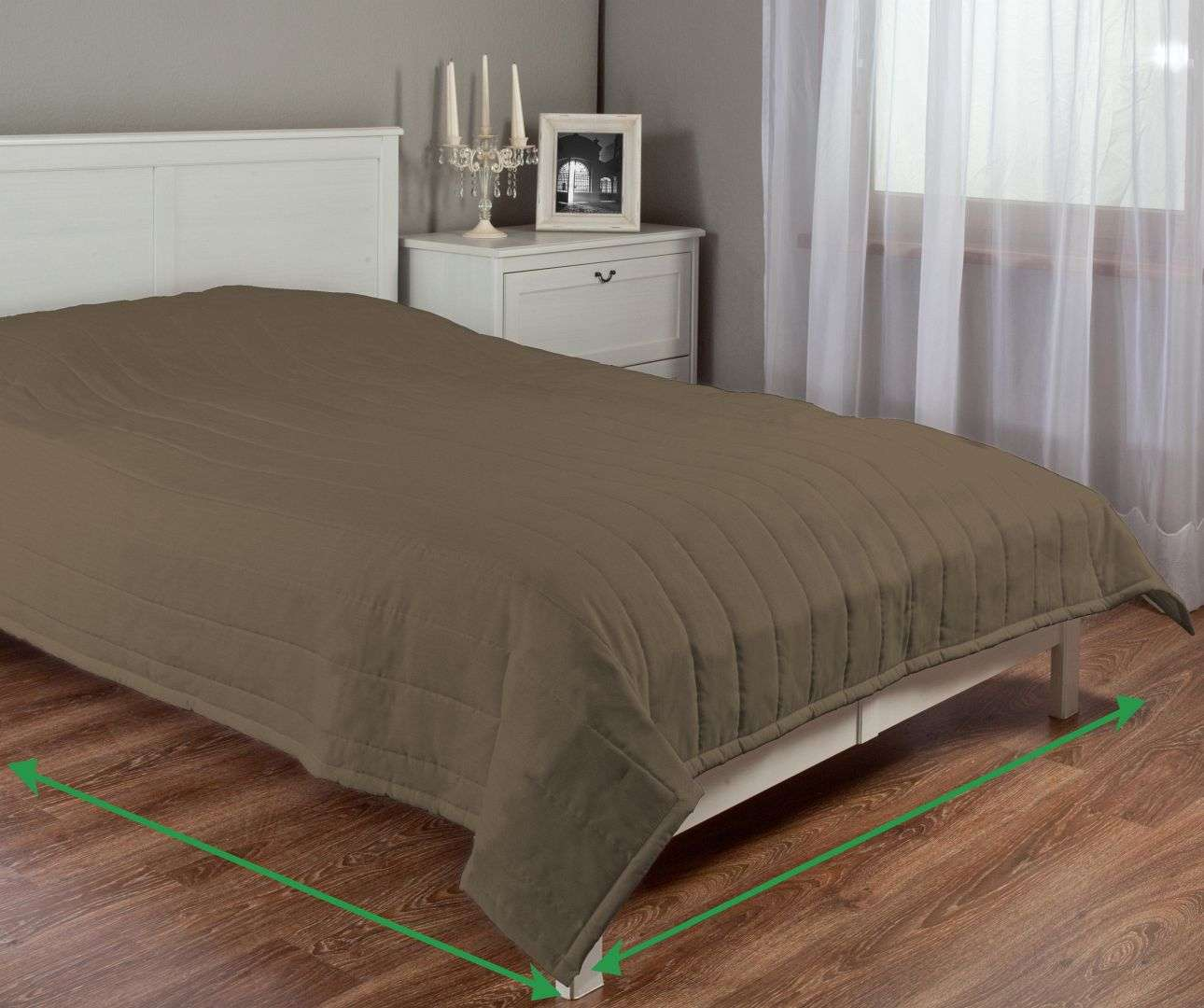 Quilted throw (vertical quilt pattern) in collection Milano, fabric: 150-39