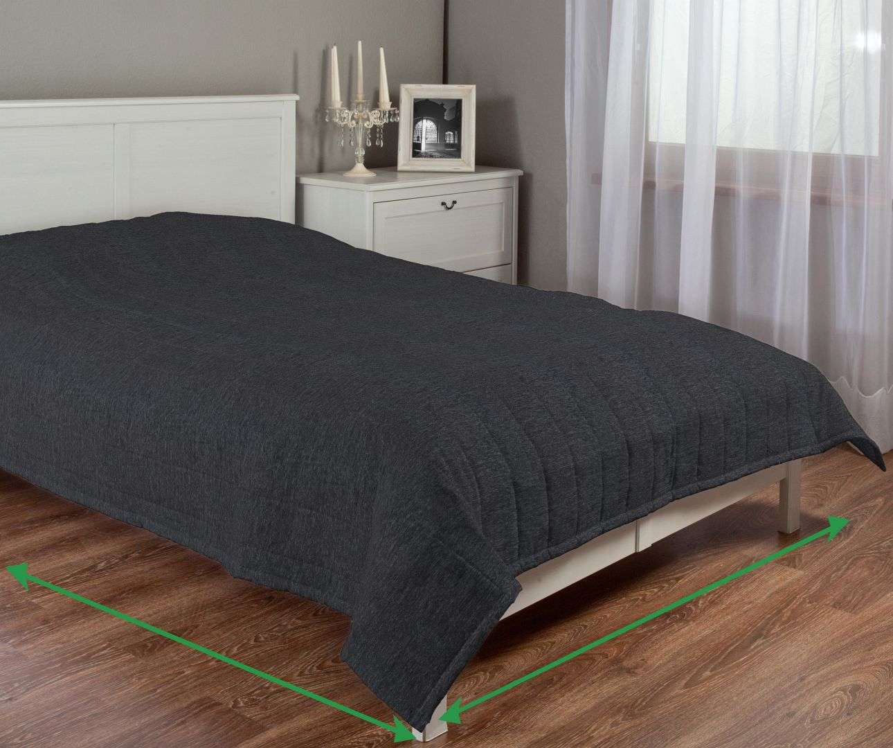 Quilted throw (vertical quilt pattern) in collection Living  , fabric: 160-00