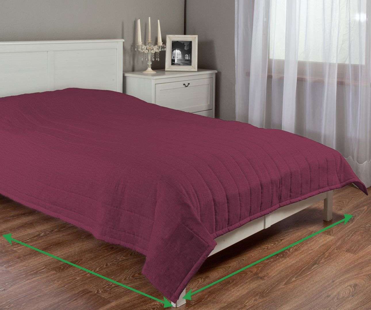 Quilted throw (vertical quilt pattern) in collection Porto, fabric: 160-44