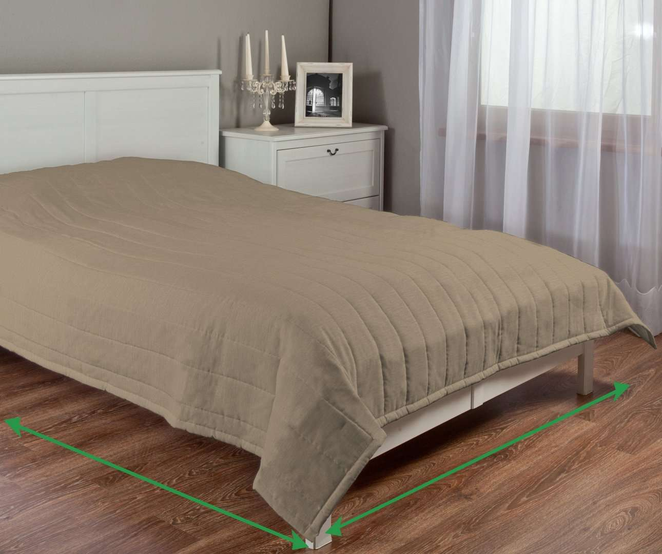 Quilted throw (vertical quilt pattern) in collection Chenille, fabric: 160-64