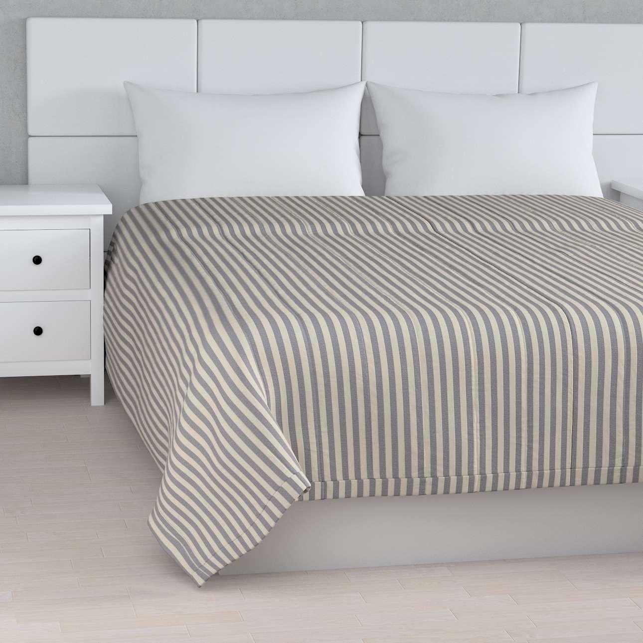 Sengeteppe quiltet<br/>10cm striper fra kolleksjonen Quadro, Stoffets bredde: 136-02