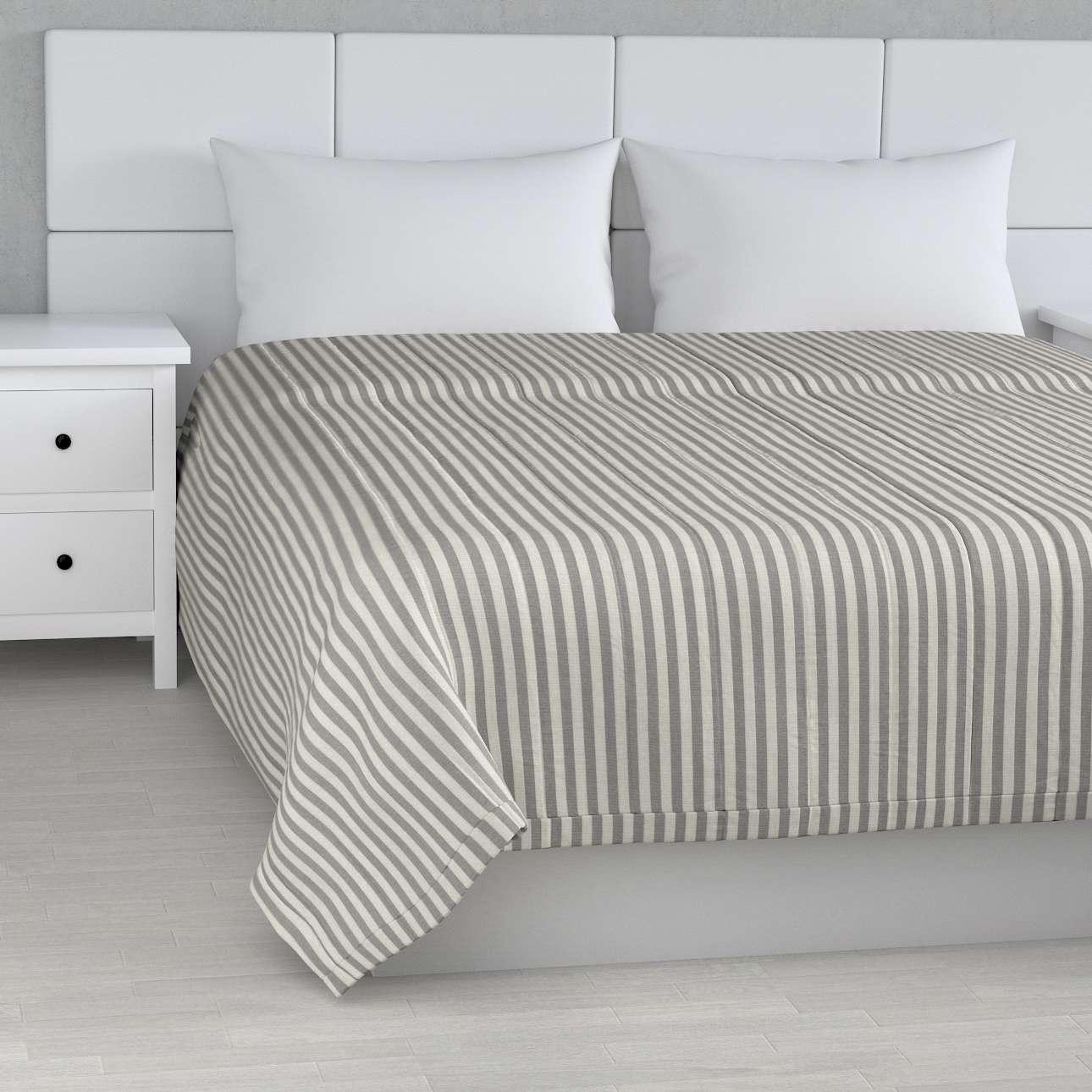 Tagesdecke mit Streifen-Steppung von der Kollektion Quadro, Stoff: 136-12