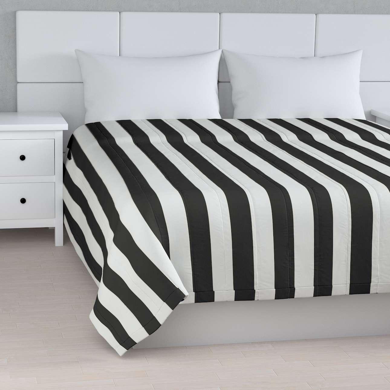 Sengeteppe quiltet<br/>10cm striper fra kolleksjonen Comics, Stoffets bredde: 137-53