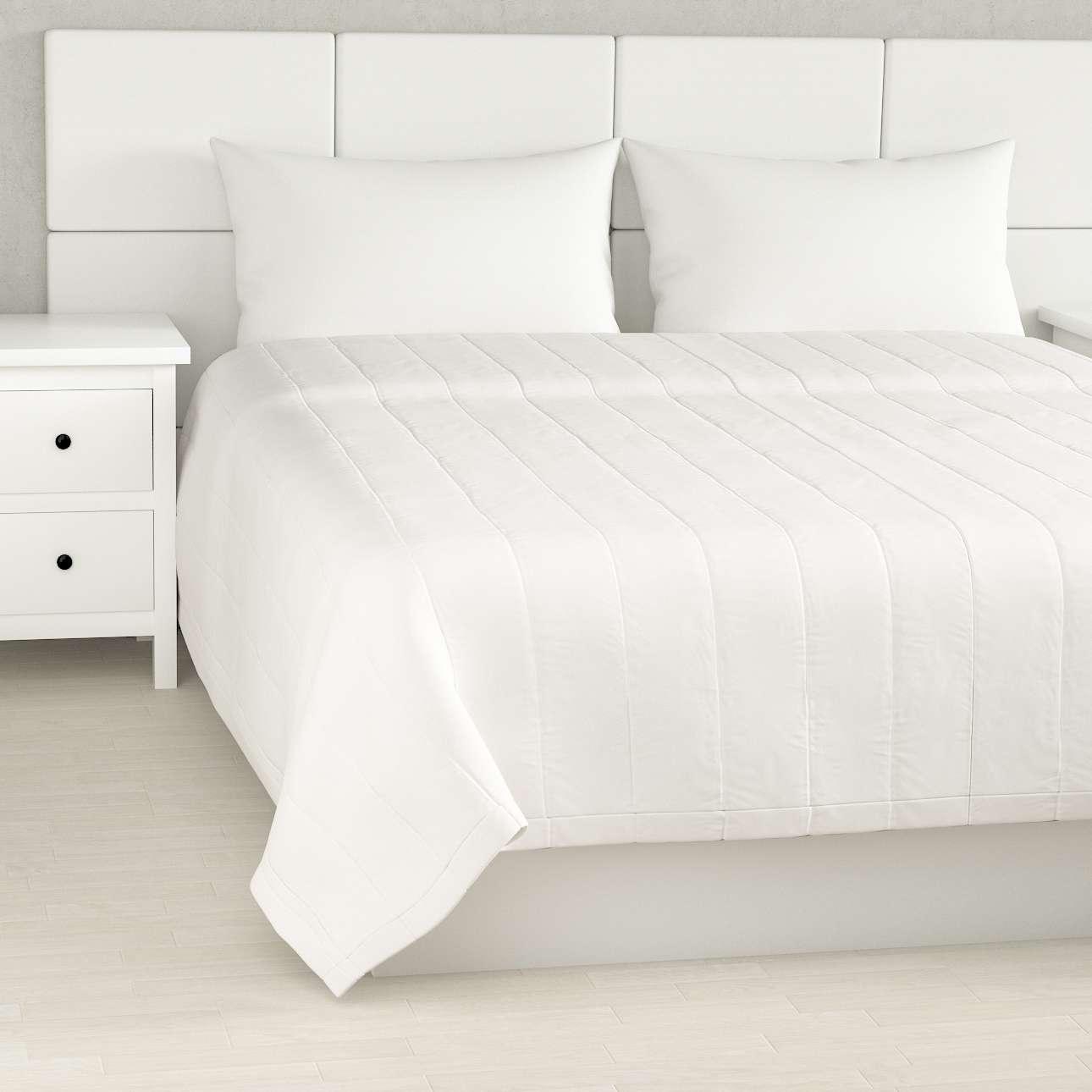Sengeteppe quiltet<br/>10cm striper fra kolleksjonen Cotton Panama, Stoffets bredde: 702-34