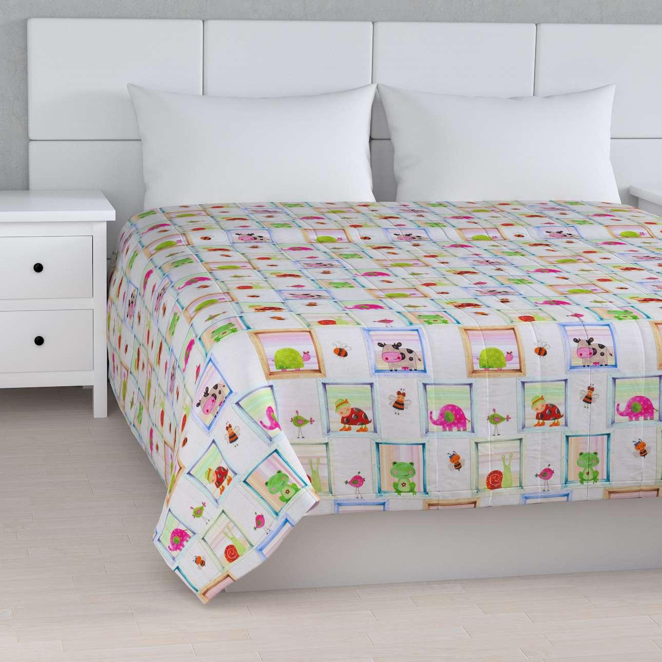 Prehoz  s pozdĺžným prešívaním V kolekcii Little World, tkanina: 151-04