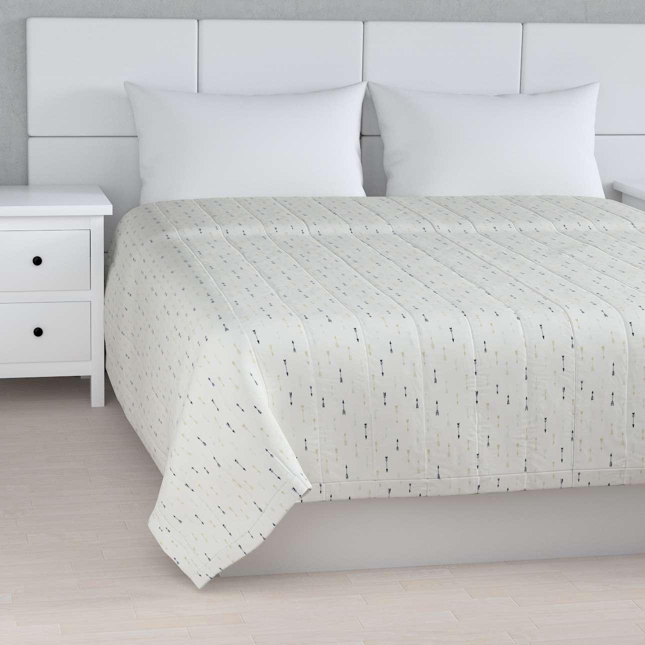 Sengetæppe quiltet<br/>10cm striber fra kollektionen Adventure, Stof: 141-82