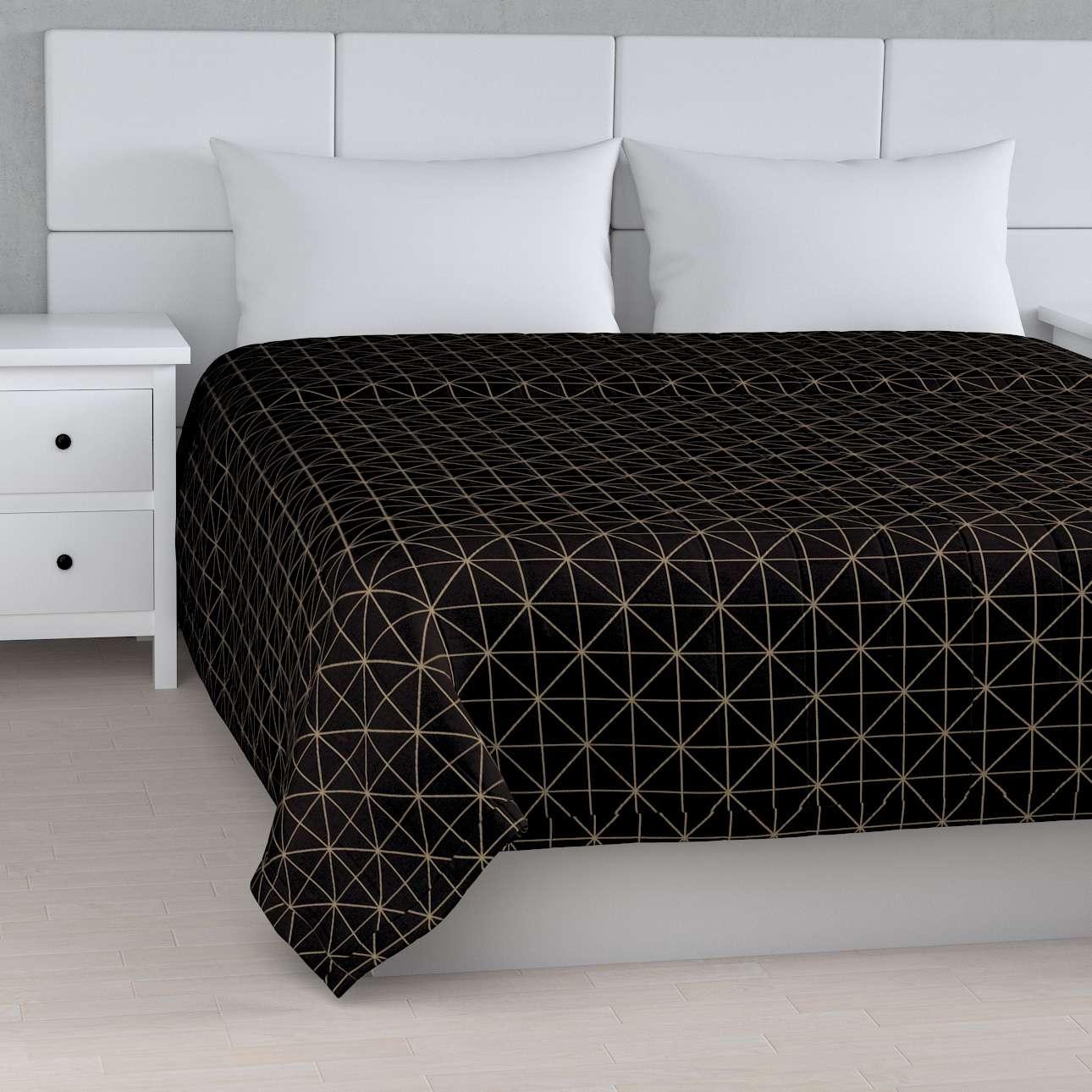 Sengetæppe quiltet<br/>10cm striber fra kollektionen Black & White, Stof: 142-55