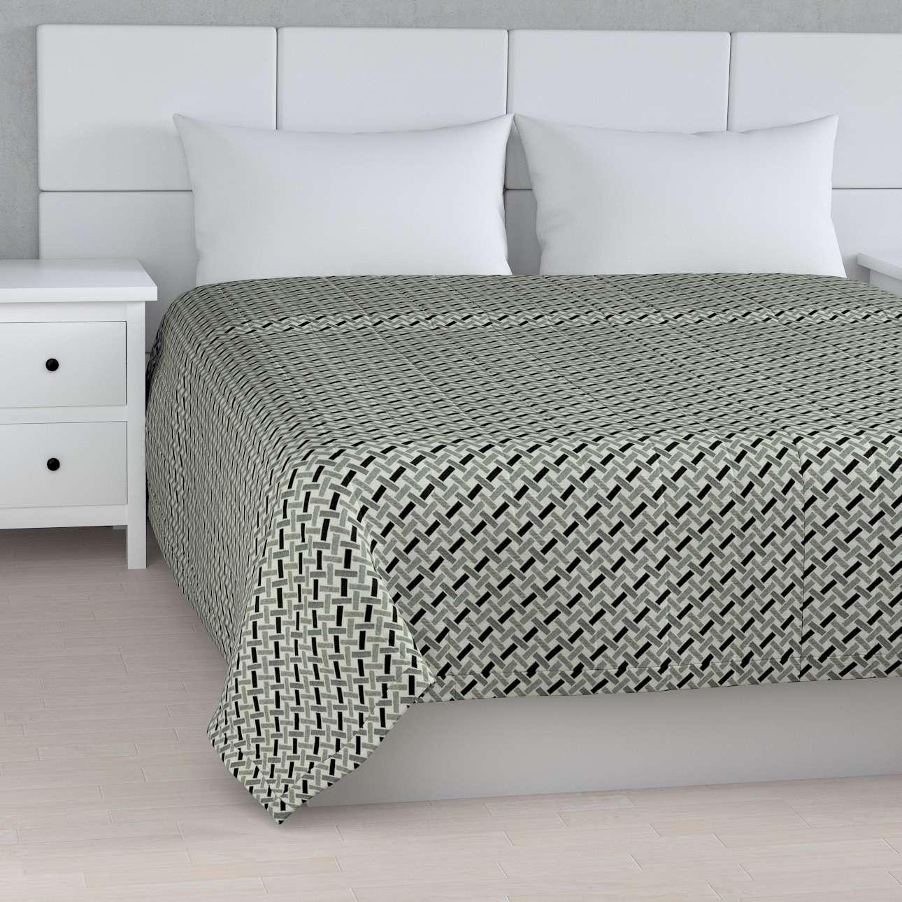 Sengeteppe quiltet<br/>10cm striper fra kolleksjonen Black & White, Stoffets bredde: 142-78