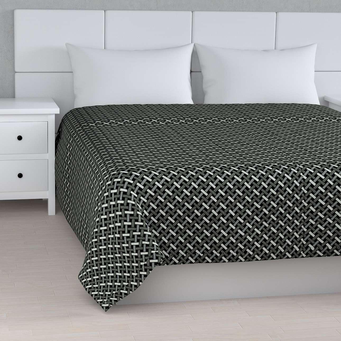 Sengeteppe quiltet<br/>10cm striper fra kolleksjonen Black & White, Stoffets bredde: 142-87