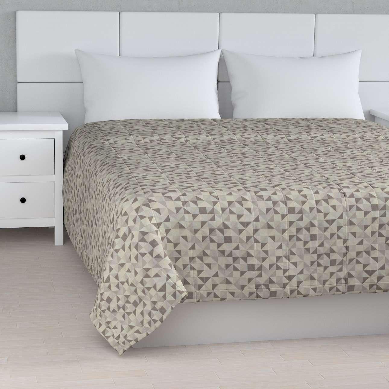 Päiväpeitto tikattu raidat mallistosta Retro Glam, Kangas: 142-85