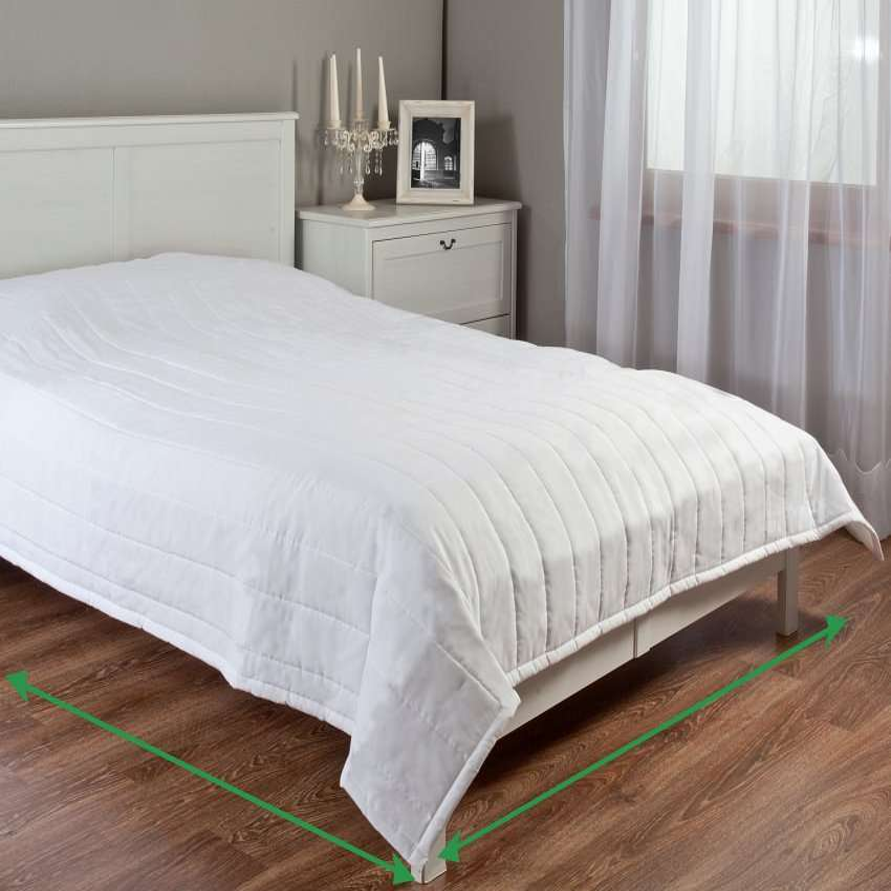 Sengeteppe quiltet<br/>10cm striper fra kolleksjonen Velvet, Stoffets bredde: 704-28