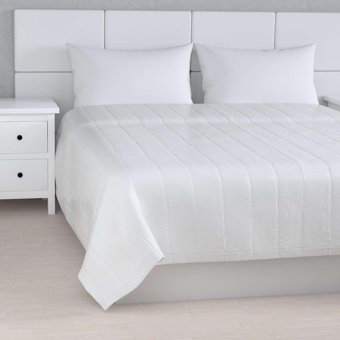 Sengeteppe quiltet<br/>10cm striper fra kolleksjonen Christmas - Nyhet !, Stoffets bredde: 141-78