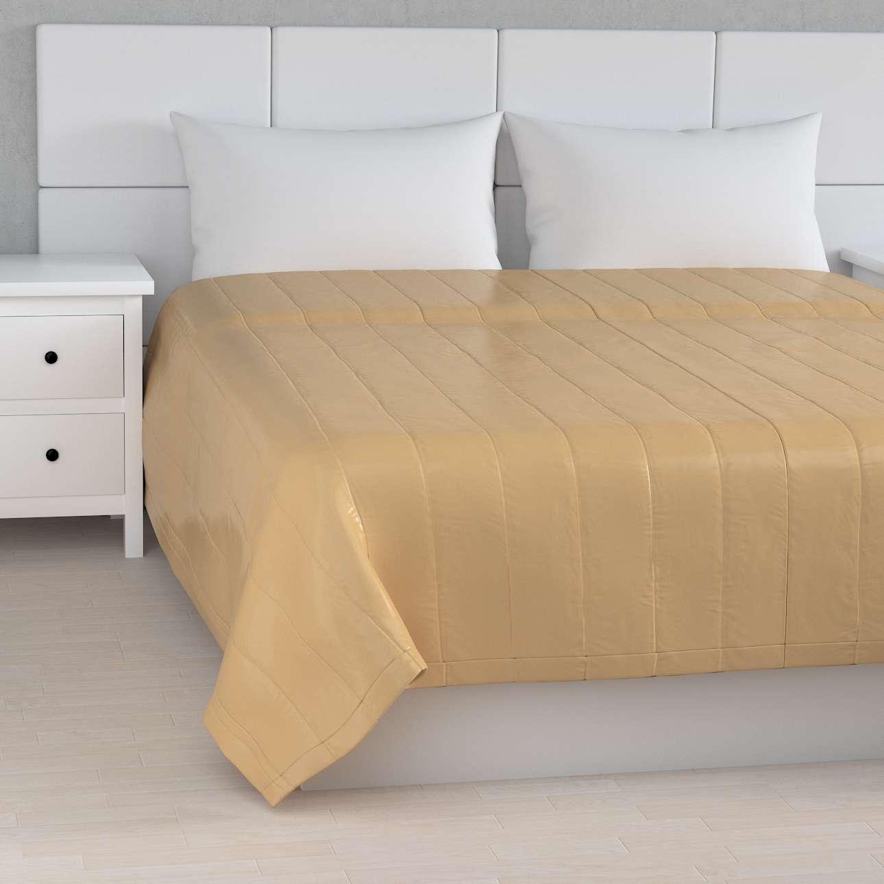 Sengetæppe quiltet<br/>10cm striber fra kollektionen Christmas, Stof: 141-75