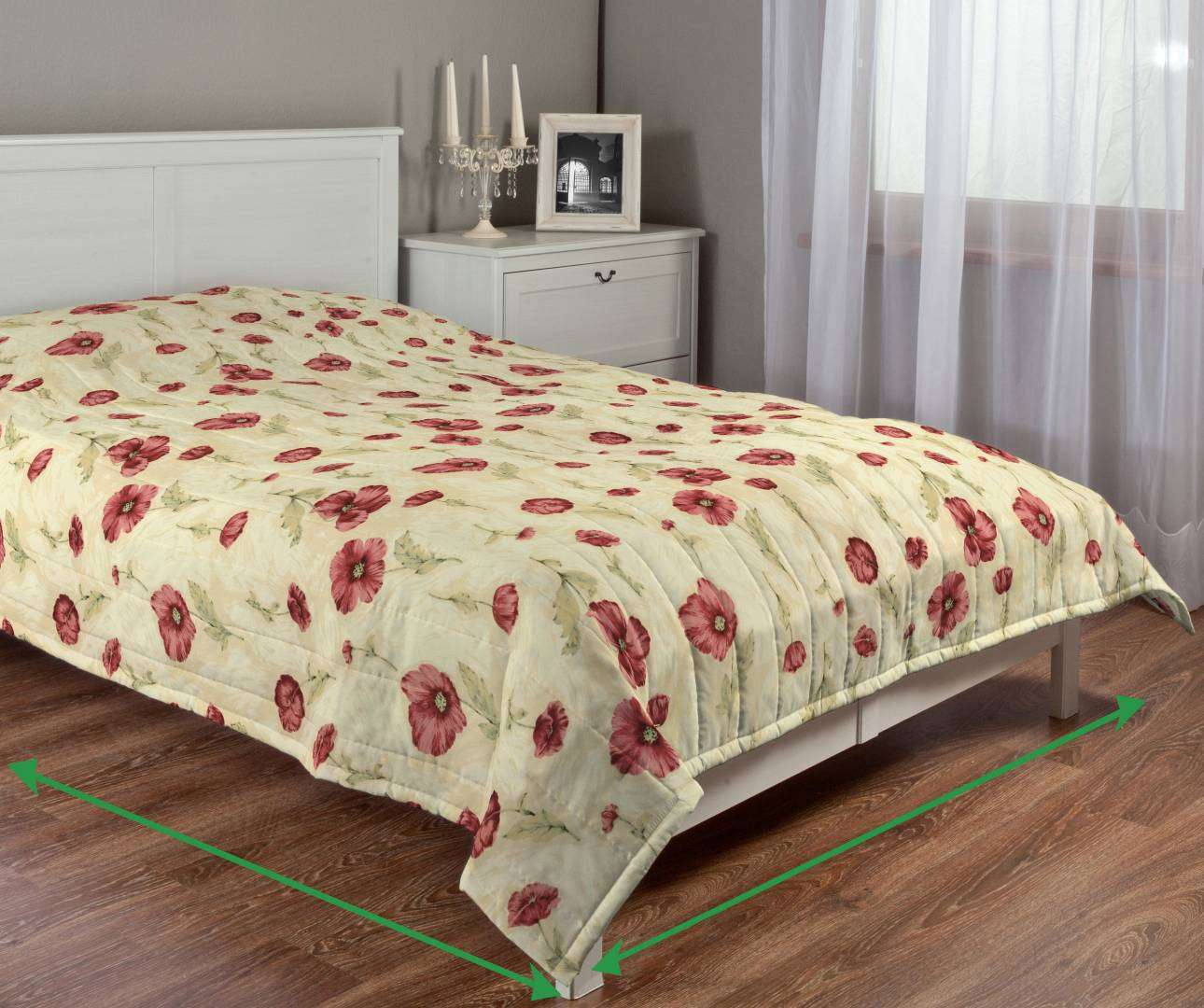 Quilted throw (vertical quilt pattern) in collection Flowers, fabric: 303-01