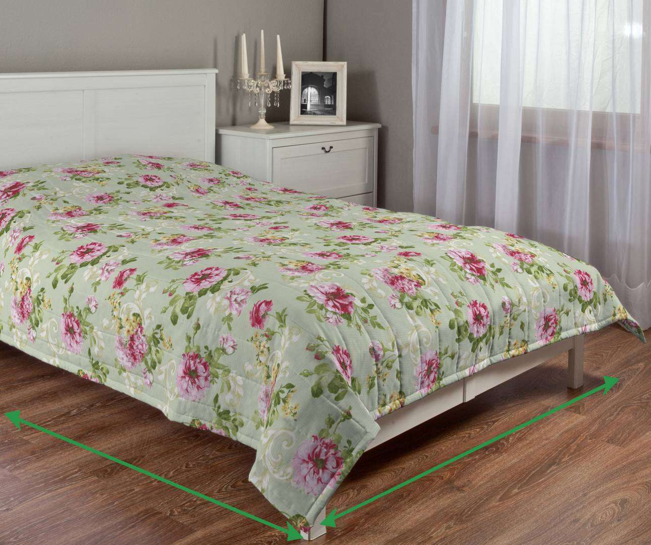 Quilted throw (vertical quilt pattern) in collection Flowers, fabric: 311-10