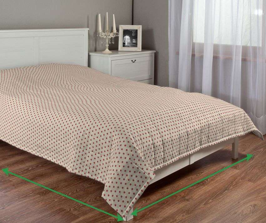 Quilted throw (vertical quilt pattern) in collection Freestyle, fabric: 629-10