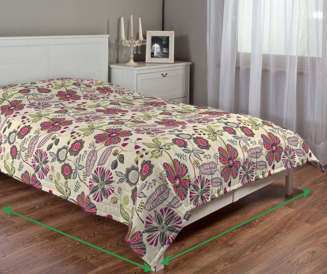 Quilted throw (vertical quilt pattern) in collection Etna , fabric: 705-12