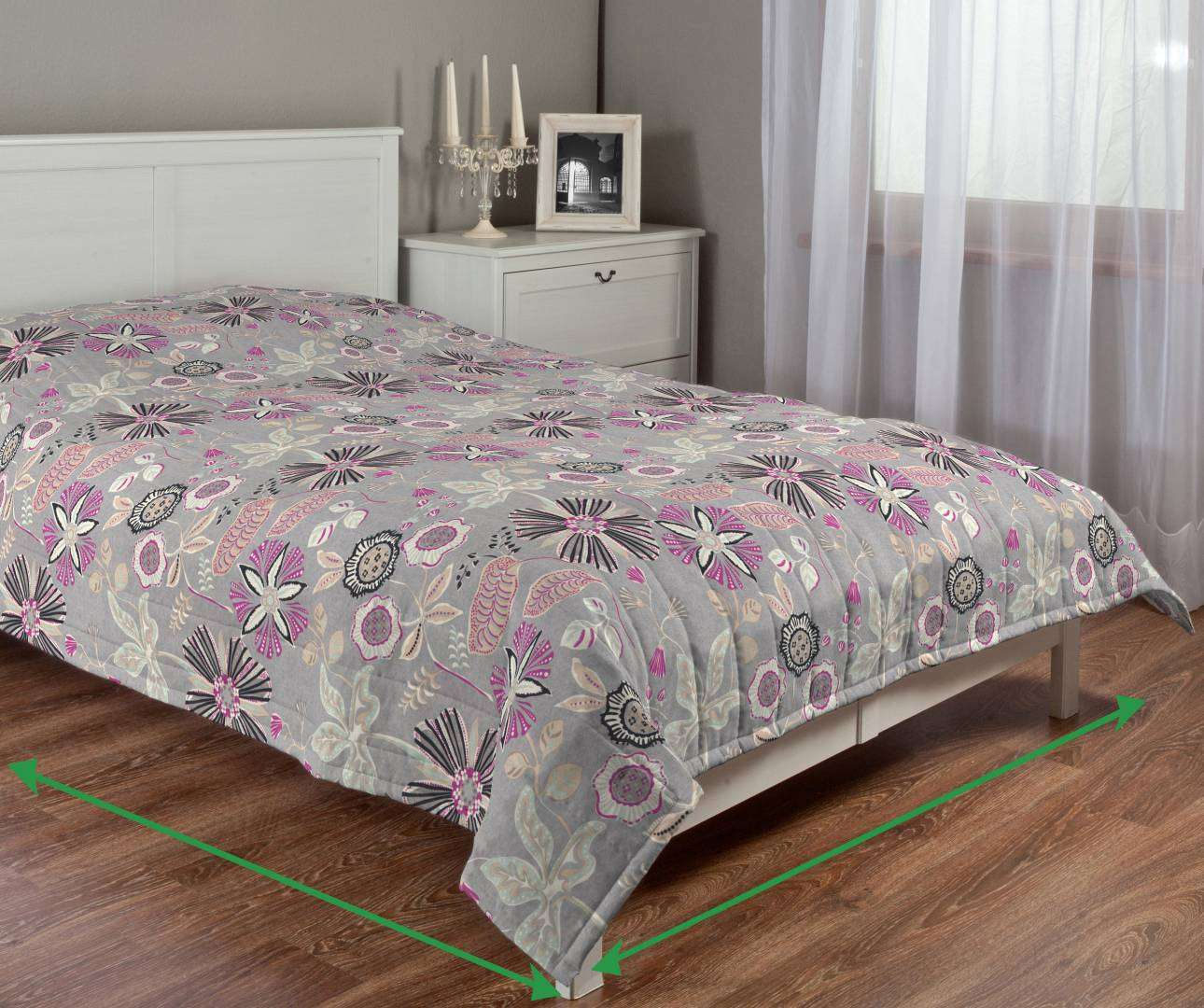 Quilted throw (vertical quilt pattern) in collection Etna , fabric: 705-13