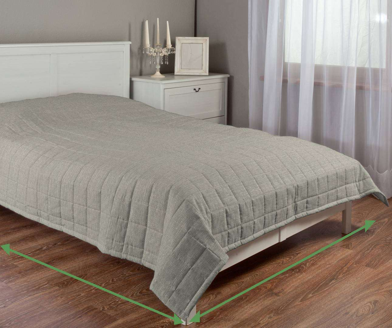 Quilted throw (check quilt pattern) in collection Granada, fabric: 104-91