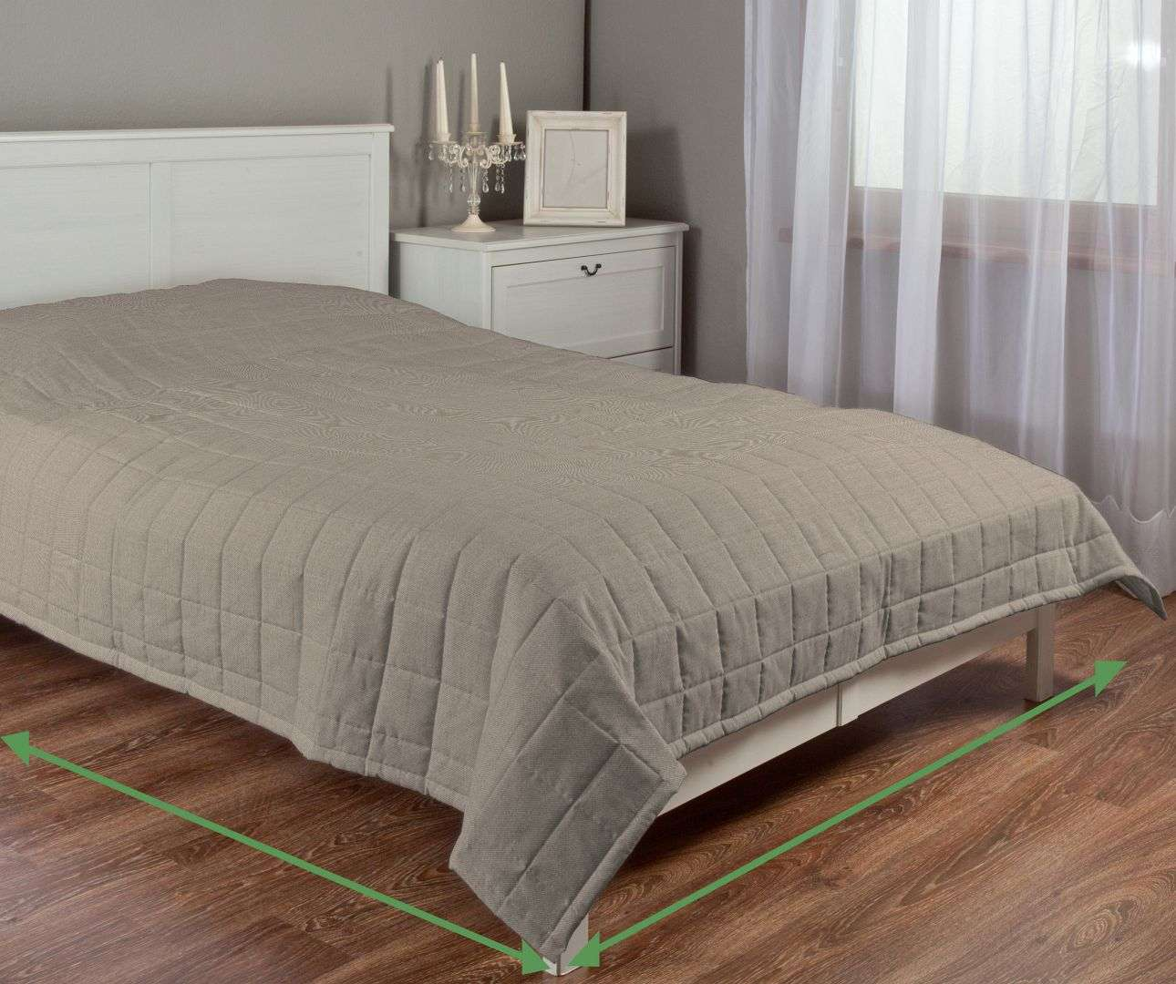 Quilted throw (check quilt pattern) in collection Porto, fabric: 160-57