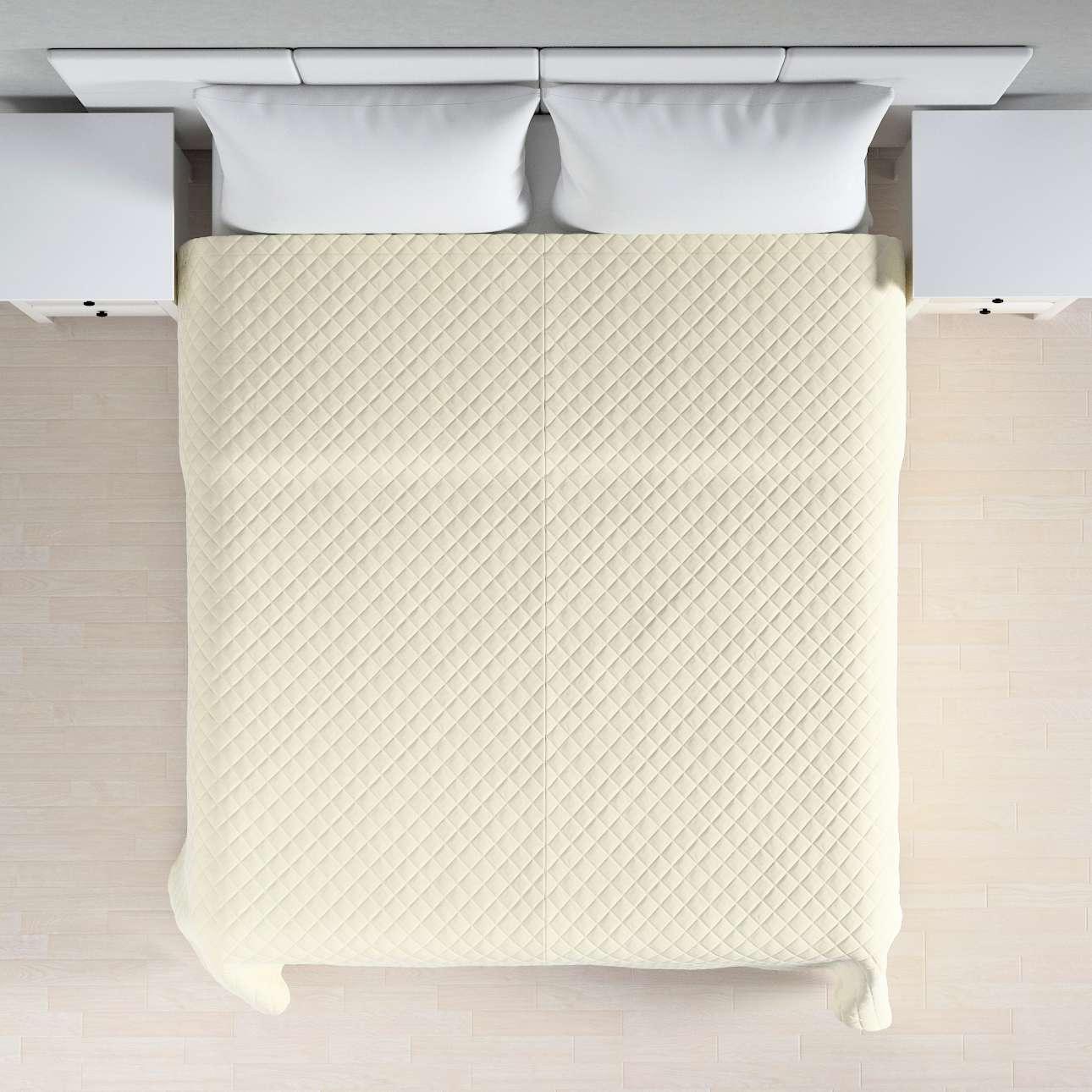 Sengeteppe quiltet<br/>i rombe i velour fra kolleksjonen Velvet, Stoffets bredde: 704-10