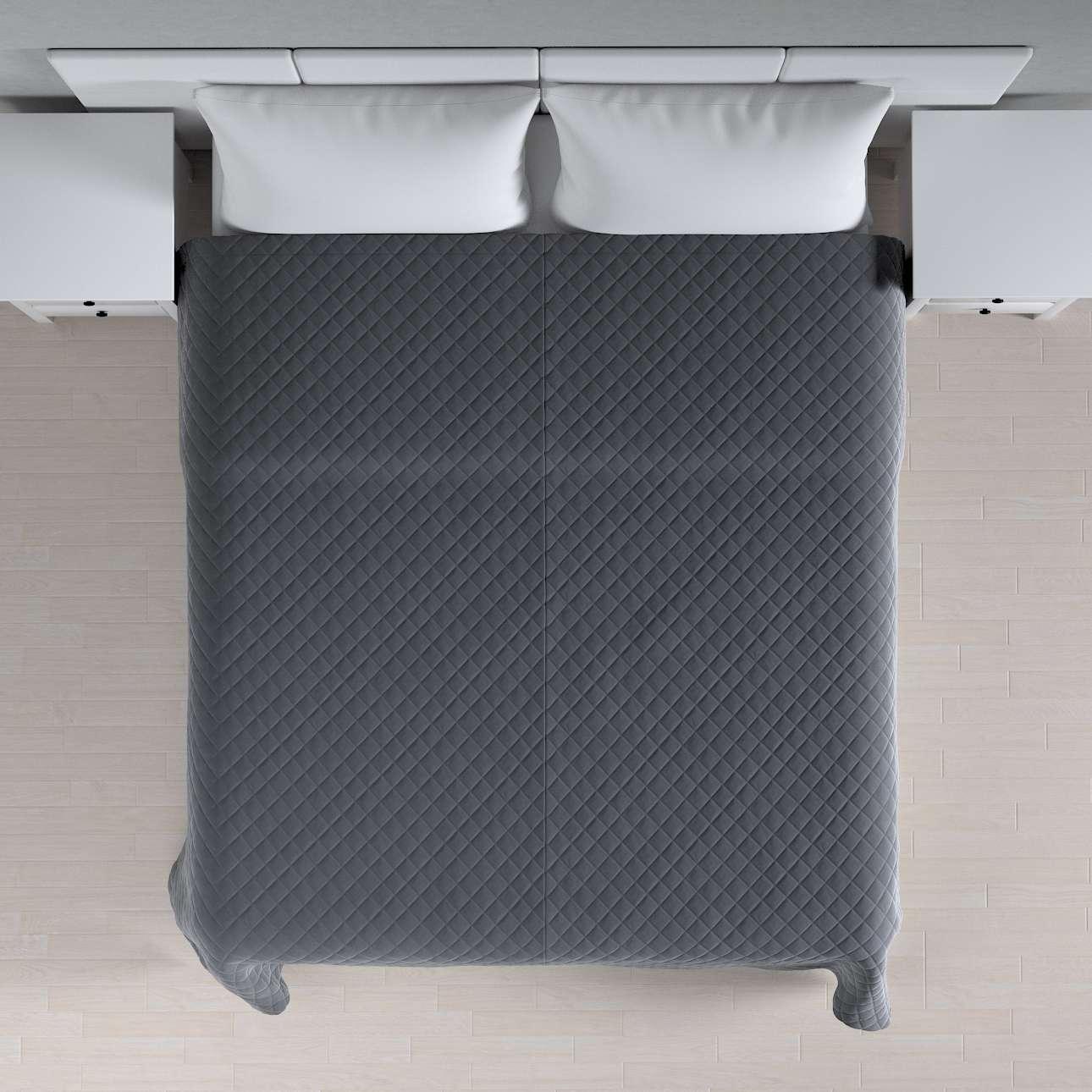 Sengeteppe quiltet<br/>i rombe i velour fra kolleksjonen Velvet, Stoffets bredde: 704-12