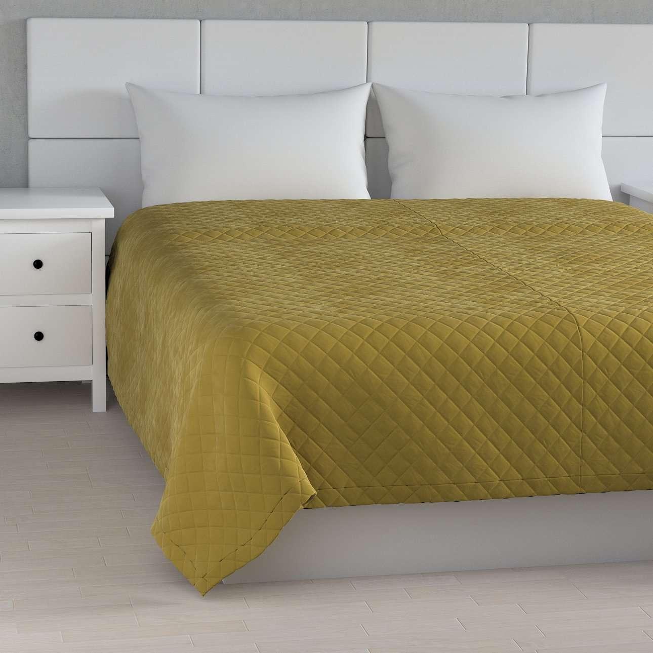 Sengeteppe quiltet<br/>i rombe i velour fra kolleksjonen Velvet, Stoffets bredde: 704-27