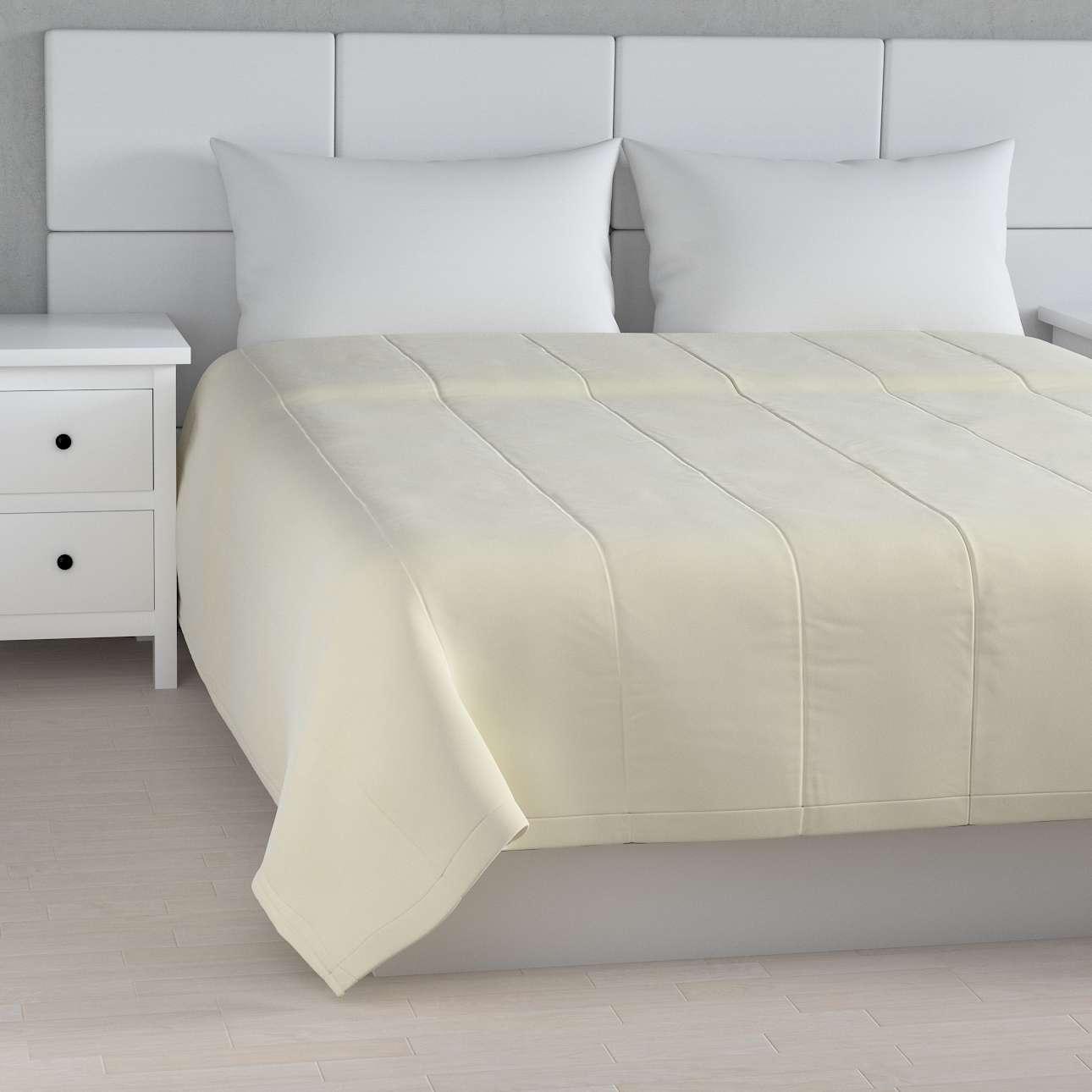 Sengetæppe quiltet<br/>25cm striper i velour fra kolleksjonen Velvet, Stoffets bredde: 704-10
