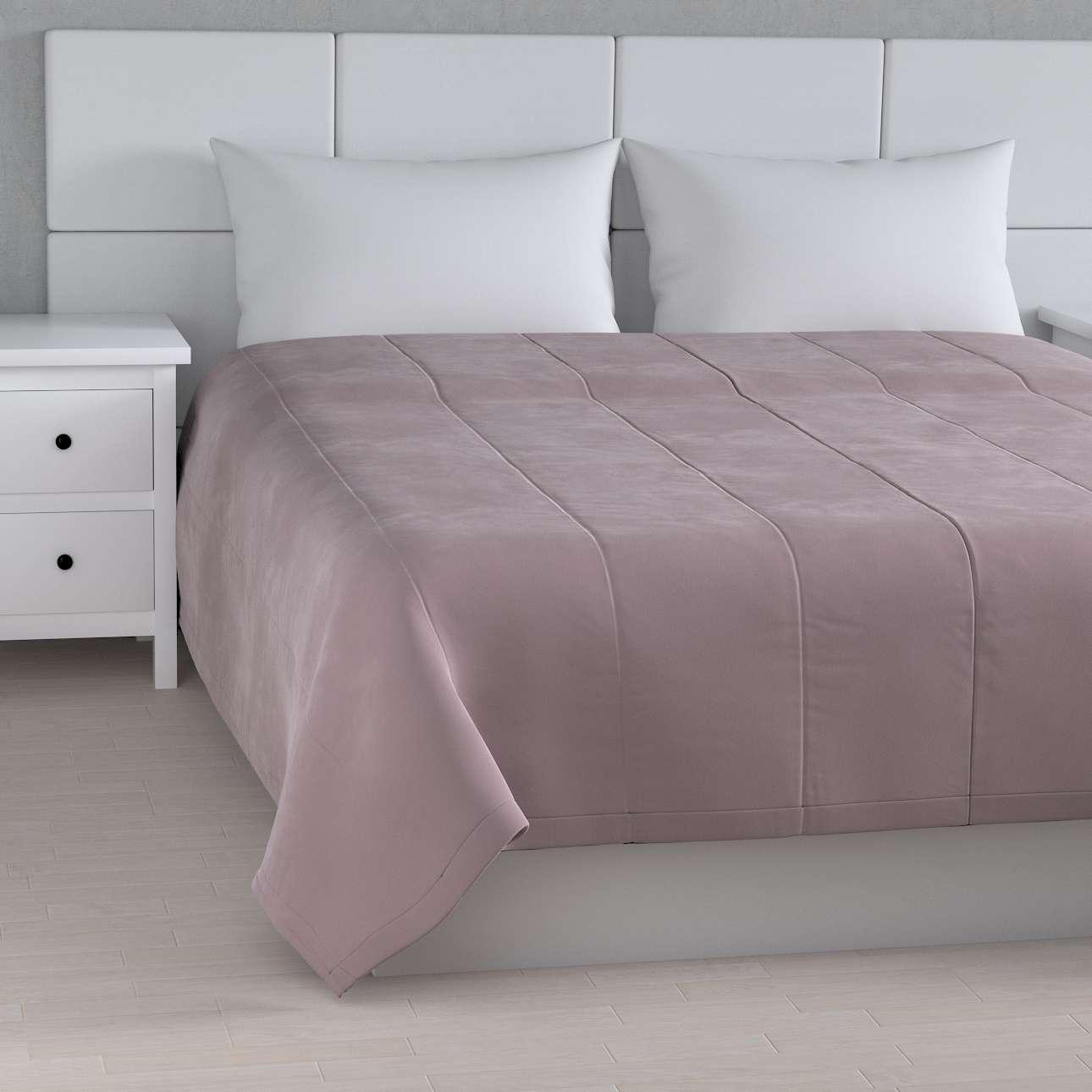 Sengetæppe quiltet<br/>i 25cm striber i velour fra kollektionen Velvet, Stof: 704-14