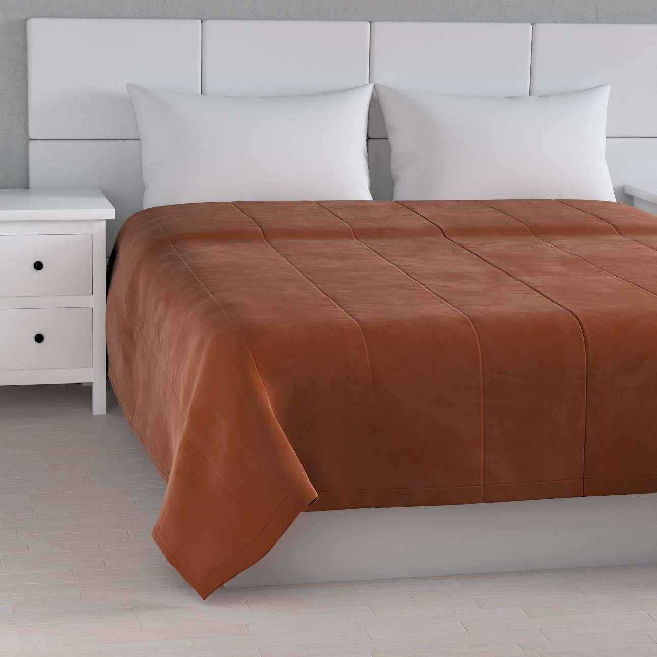 Velvet-Tagesdecke mit Streifen-Steppung von der Kollektion Velvet, Stoff: 704-33